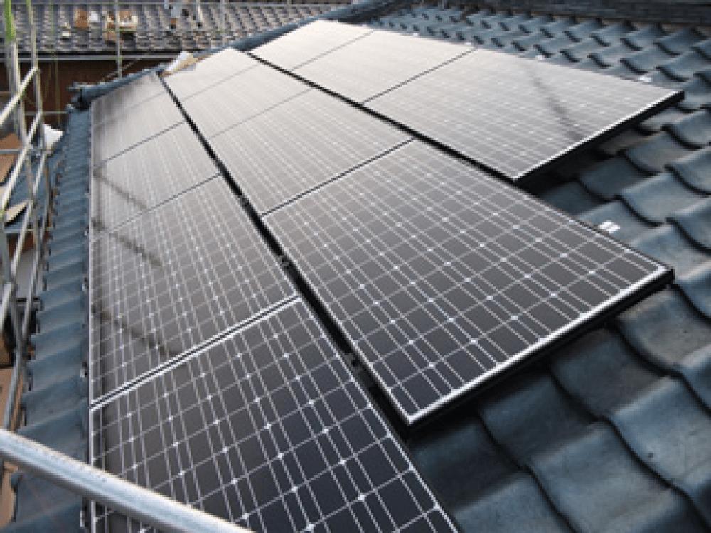 太陽光発電の取り付け